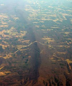 402px-Sideling_Hill_airphoto