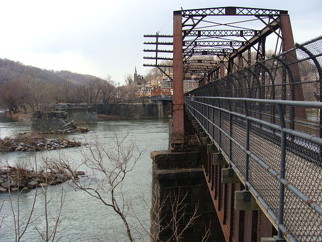 640px-Harpersferry_bridge